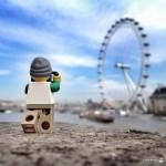 Lego-человечек и его увлекательная кругосветка за 365 дней