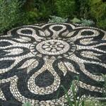 Великолепные каменные дорожки привнесут волшебства в ваш сад
