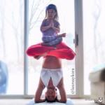 Мама и её 4-летняя дочурка – настоящие мастера йоги!